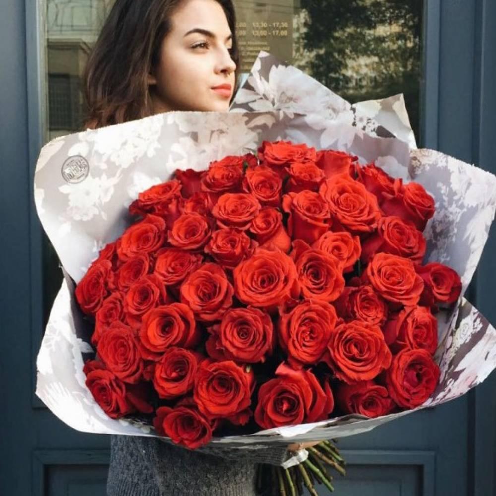 Розы красные букет и девушка, цветы липецк какие