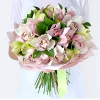 Букет 19 бутонов крупной орхидеи R003