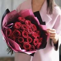 Букет 19 крупных красных роз R447