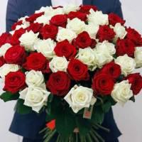 Букет 51 роза красные и белые R016