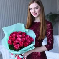 Букет 21 крупная красная роза R022